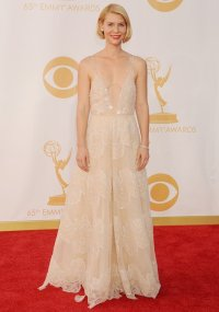 e65178ba-c5d9-4928-8d4b-8ad0f686ee97_claire-danes-emmy-awards-red-carpet-fashion-pictures