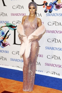 rihanna-2014-cfda-awards-fashion-icon-front-billboard-400